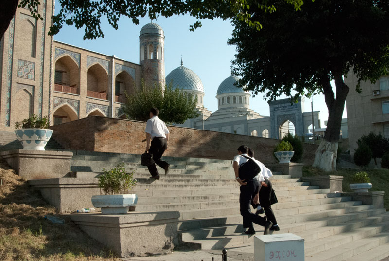 Students on their way to school in Tashkent, Uzbekistan. Photo credit: James Carnehan