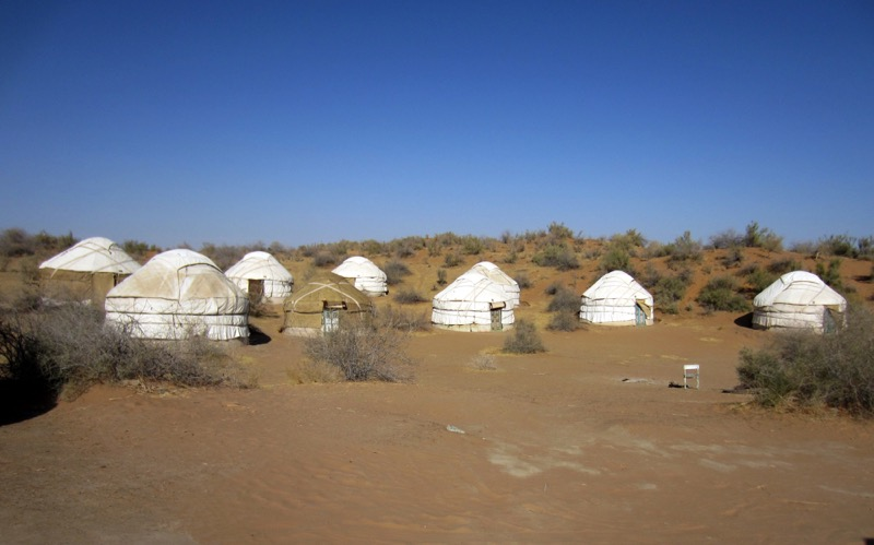 A traditional yurt camp in the Kyzyl Kum Desert. Photo credit: Abdu Samadov