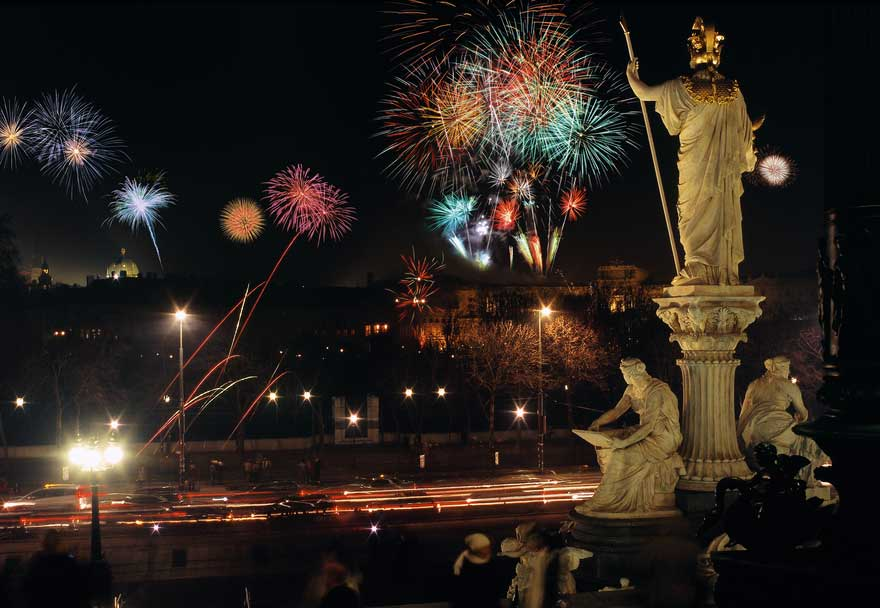 Empress Maria-Theresa enjoys the fireworks in Vienna. Photo credit: Diejun / Austrian National Tourist Office