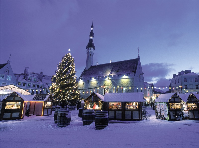 A corner of the snowy Christmas Market in Tallinn.  Photo credit: Toomas Volmer