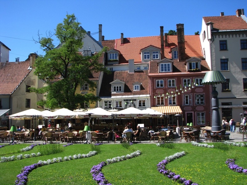 Sit down at one of the charming cafes in the Old Town when you need a breather. Photo credit: Lithuanian Tours