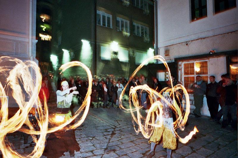 A fiery street performance in Skadarlija. Photo credit: Srdjan Veljovic
