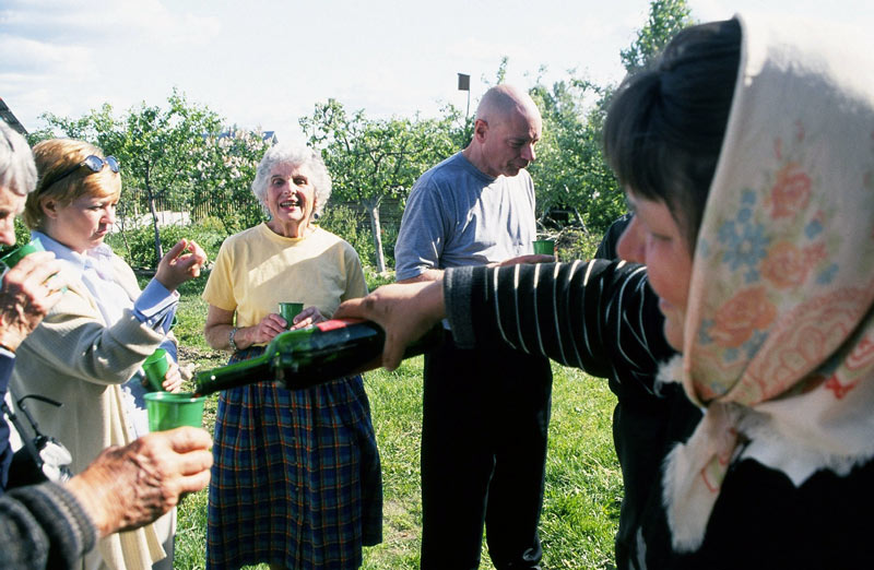 Enjoy a wine tasting and Belarusian hospitality. Photo credit: Michel Behar