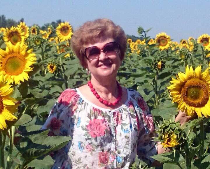 Director of MIR's affiliate office in Ukraine, Luba Rudenko, soaking up the sunflowers
