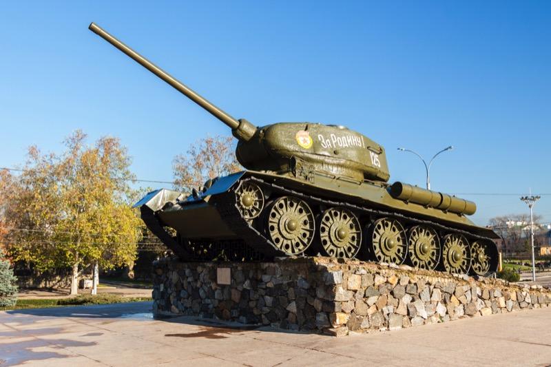 Tiraspol's old T-34 Soviet tank monument. Photo credit: Dima Radu