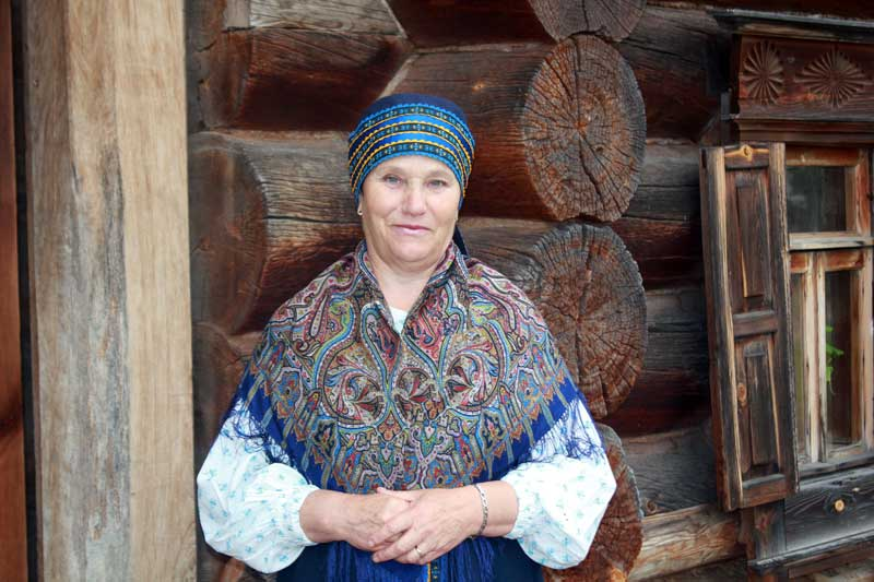 It's customary, when visiting a Russian home, to bring a small gift for your host family (Suzdal.) Photo credit: Marina Karptsova