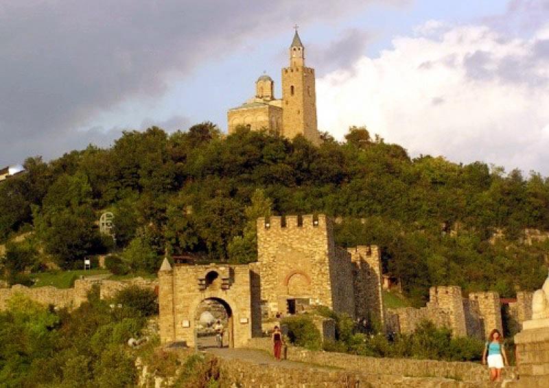 Tsaravets Hill in Veliko Tarnovo, Bulgaria. Photo credit: Alexander Tour