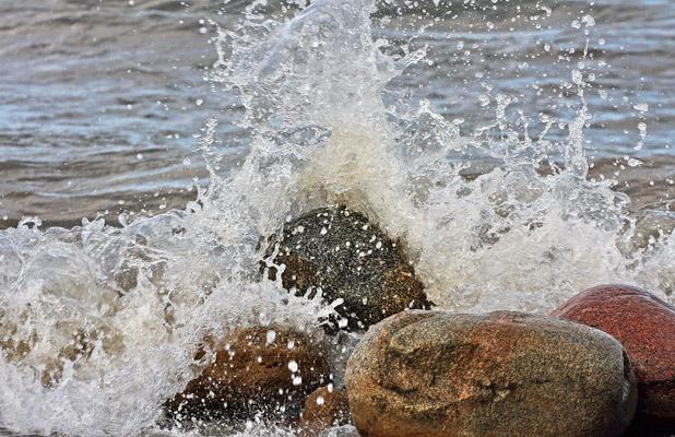Often taken for granted, safe drinking water is a global health concern. Photo credit: Vlad Ushakov