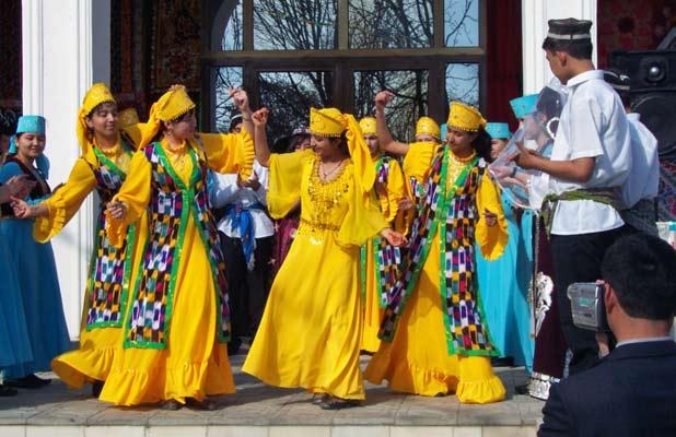 Dancing in Samarkand, Uzbekistan during the springtime Central Asian celebration of Navruz. Photo credit: Abdu Samadov