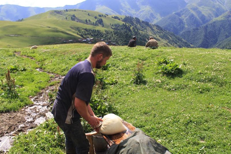 Making Tusheti gouda cheese al fresco. Photo credit: Shota Lagazidze
