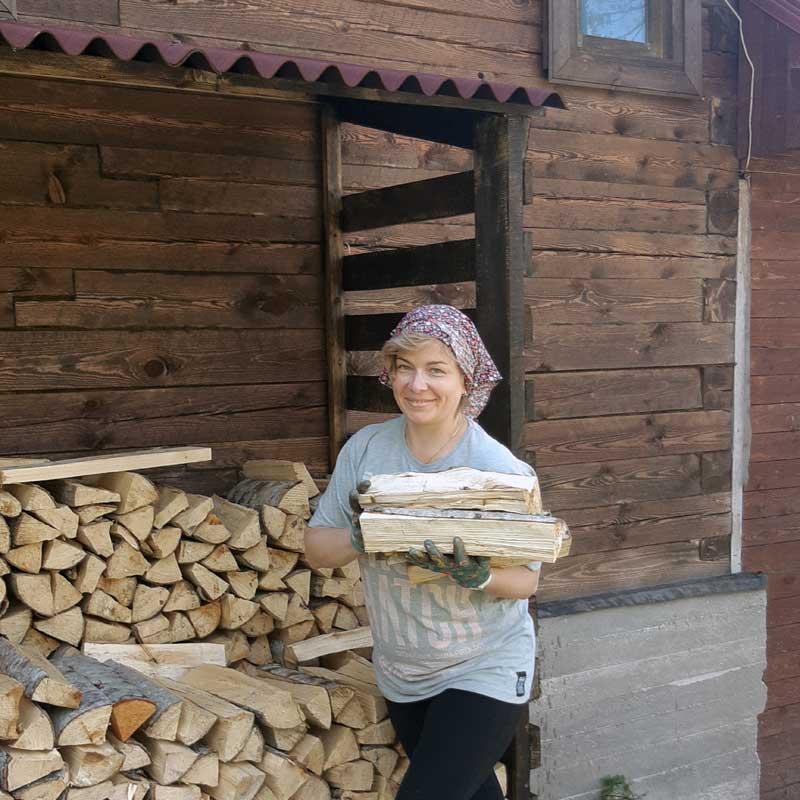 Olga Boyarskaya enjoying life at her dacha.