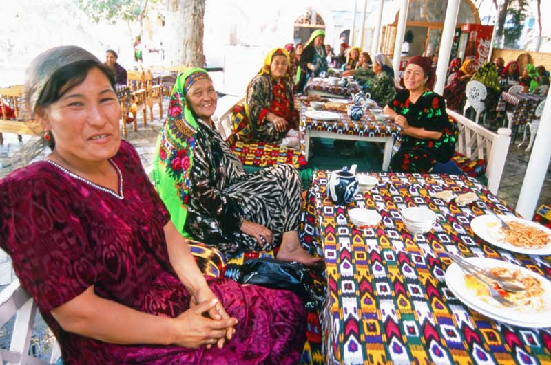 Many travelers to this Central Asian country note the friendliness and hospitality of Uzbeks, wherever they go. Photo credit: Peter Guttman